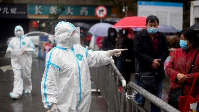 Coronavirus travel: China bars foreign visitors as imported cases rise