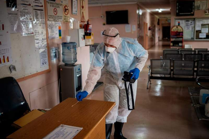 South Africa reports seven new coronavirus deaths