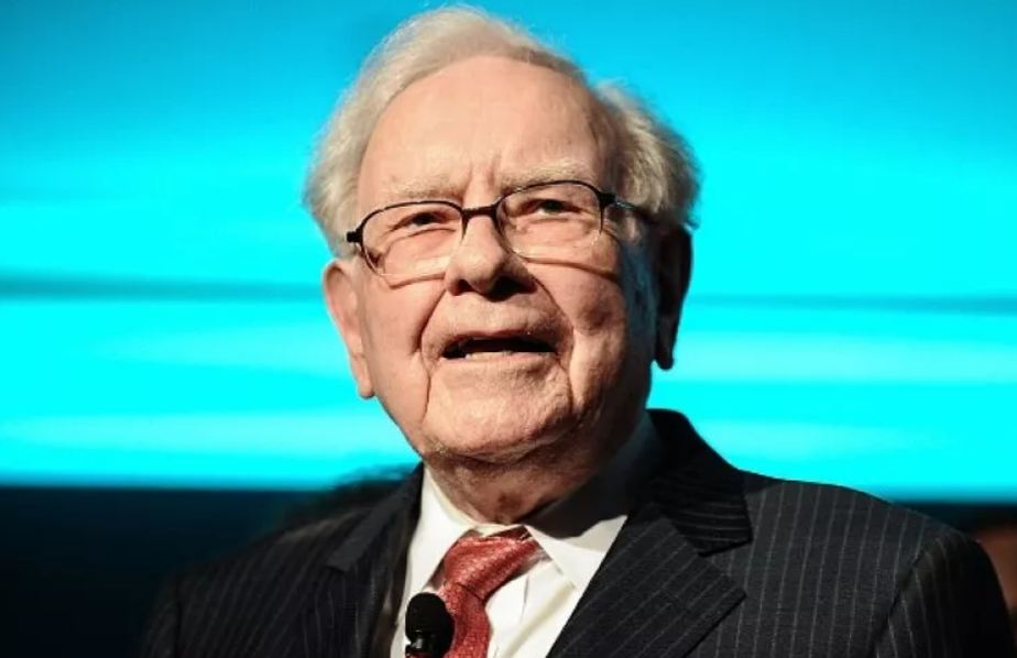Warren Buffett Says Buying Airline Stocks a 'Mistake' During a Pandemic