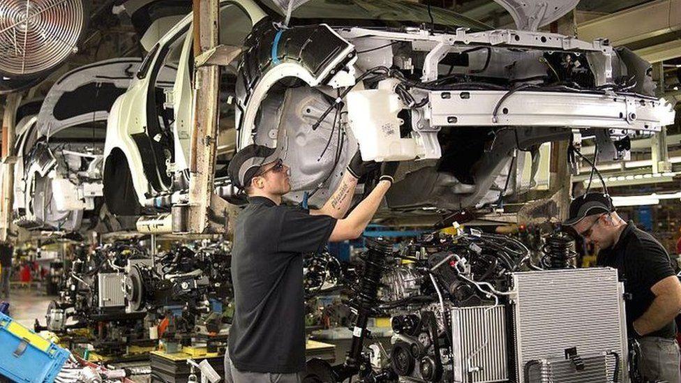 Nissan: UK factory still under threat from no-deal Brexit