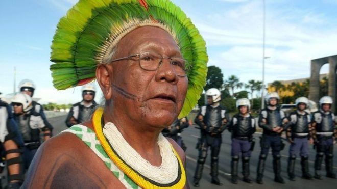 Paulinho Paiakan: Amazon indigenous chief dies with coronavirus