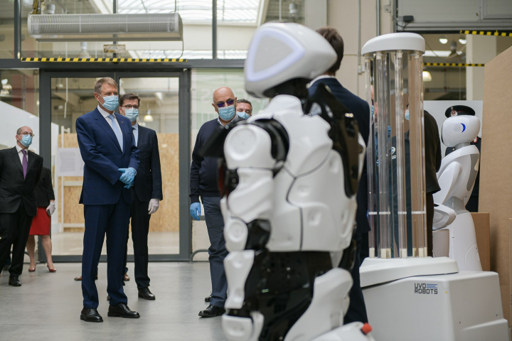 Coronavirus: Belgium hospital employs robot to protect against COVID-19