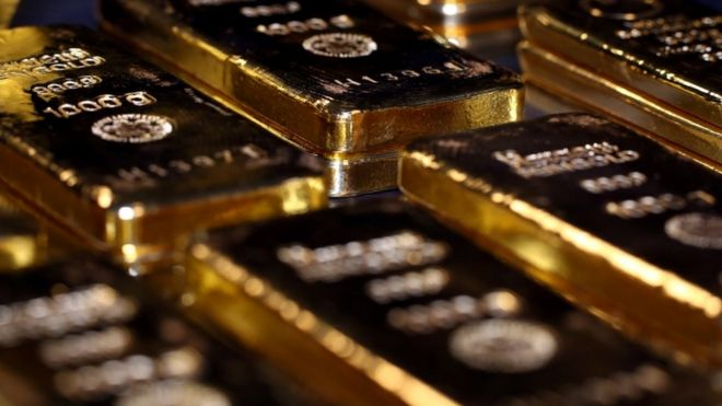 Gold price rises above $2,000 for first time