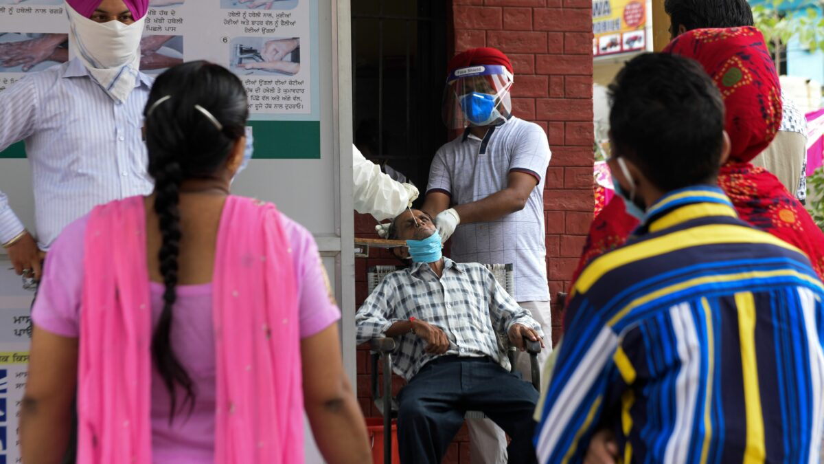 India reports almost 79,000 new Covid-19 cases, more than 1,000 new deaths in a day