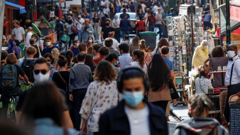 Coronavirus: Paris poised for maximum Covid alert