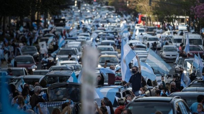 Covid-19: Protests as Argentina's cases pass 900,000