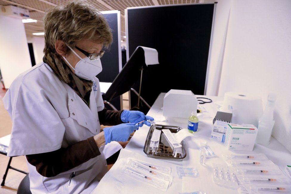 Coronavirus: EU anger over delayed Pfizer vaccine deliveries