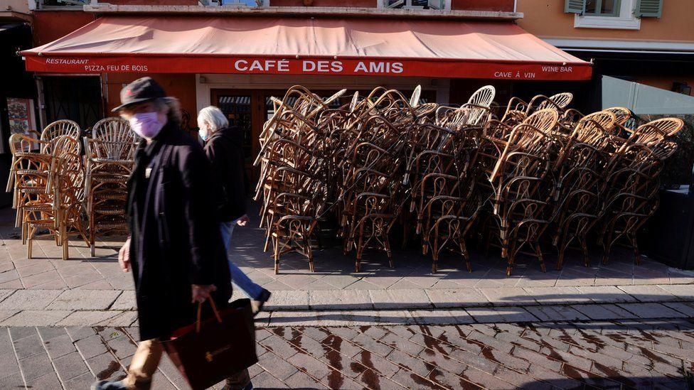 Covid-19: France enters third national lockdown amid ICU surge